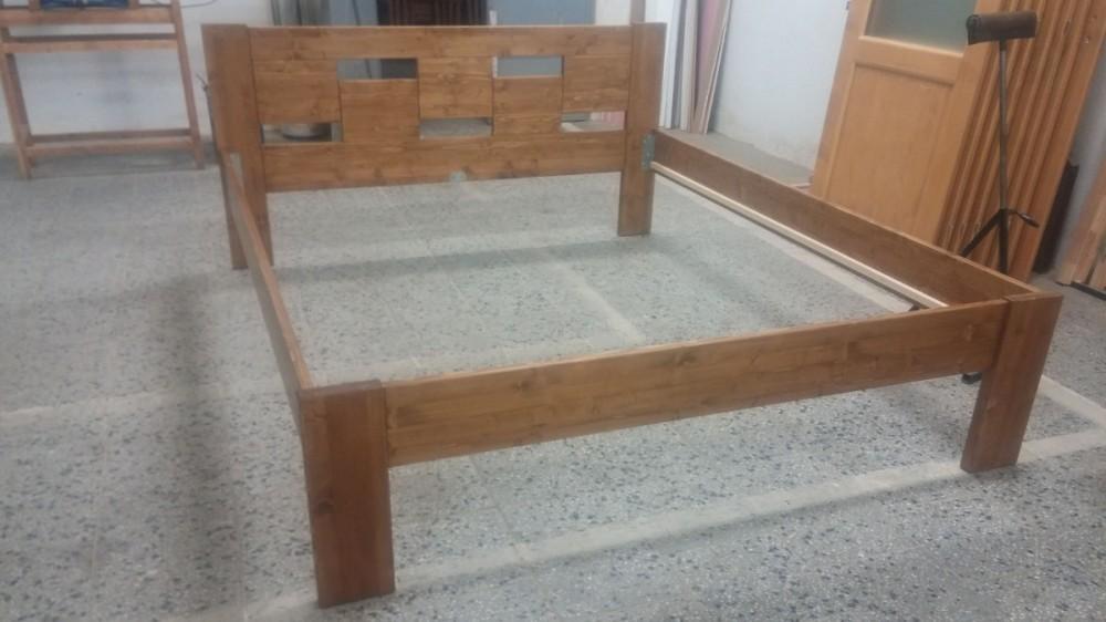 Masivní postel NIKOLA řešení na míru 180 x 220