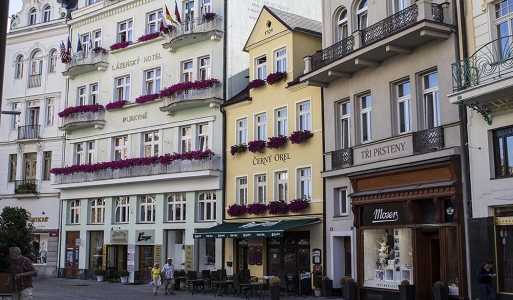 Výroba špaletových dřevěných oken, Karlovy Vary